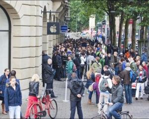 荷蘭蘋果專門店iPad爆炸