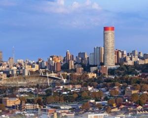8名南非華留生搭車遇劫 一人中槍亡