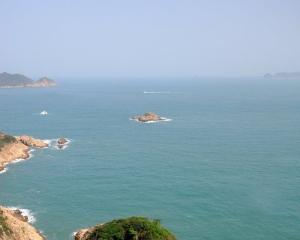 香港西貢有帆船翻側10人墮海