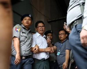 路透社兩名記者被判囚7年