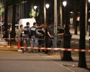巴黎驚傳男子持刀襲擊案 7人受傷