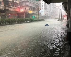 水浸料升至2.5米以上