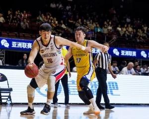 廣州龍獅決戰琉球黃金帝王