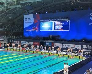 本澳泳將破三項澳門紀錄