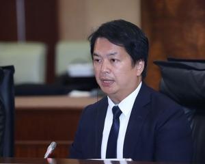 林倫偉促政府禁止電子煙入境