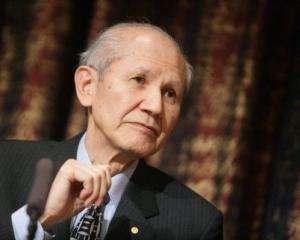 諾貝爾化學獎得主下村修逝世 享年90歲