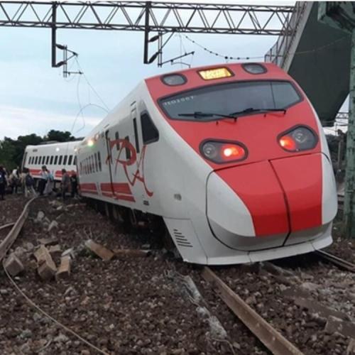 台鐵局長:列車曾超速一倍