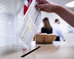 美東地區開始投票