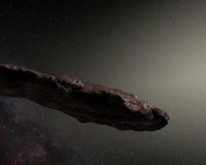天文�W家:可能�S外星人太空船