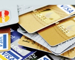 簽帳及還款額按年錄雙位數升幅