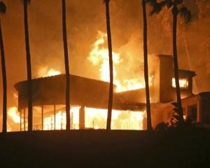 【加州山火】增至11死 35人失蹤