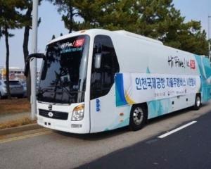 成功測試無人駕駛穿梭巴士