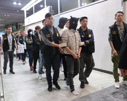 司警檢獲過千萬毒品拘五男女