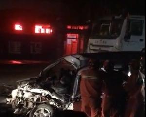 西安客貨車與田螺車相撞12死傷