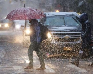 美國東岸暴風雪吹襲 7人死亡