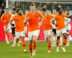 橙軍戲劇性出線歐國聯四強