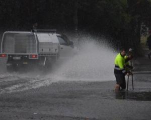 悉尼豪雨成災變澤國交通大亂