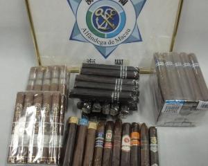 海關查獲75支非法進口雪茄