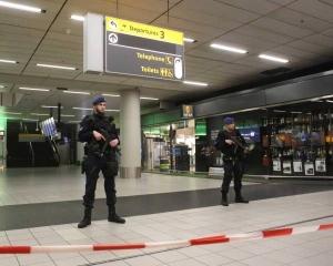 加漢阿姆斯特丹機場被捕