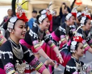 譚俊榮率領70名本澳師生赴葡參與「歡樂春節」活動