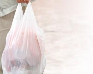 市民:棄置膠袋減半過於樂觀