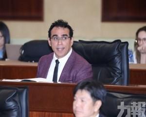 議員批評政府不主動承責