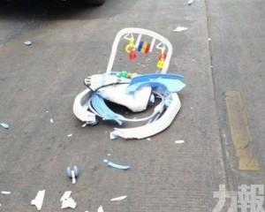 男嬰坐學行車滑出馬路慘遭輾斃