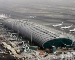 小型飛機杜拜國際機場附近墜毀 4人喪生
