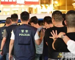 截查129人發現34名不法分子