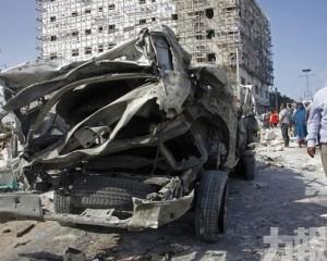 索馬里連環汽車炸彈爆炸致11死25傷