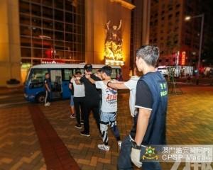 治安警反罪惡巡查揭23人違法違規