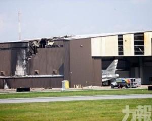 美德州小型飛機失事撞落機庫釀10死