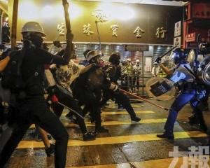 韓指港示威者與警衝突不斷 籲注意風險