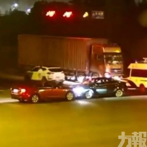 杭州兩男為啖氣「開車對撞」