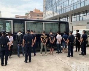 海關再破兩偷渡案拘10人
