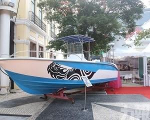 邀現場觀眾體驗古帆船出海
