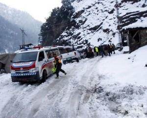 喀什米爾地區雪崩至少76死