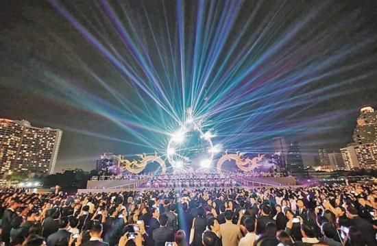 曼谷新地標!!!直擊超巨新Mall開幕派對