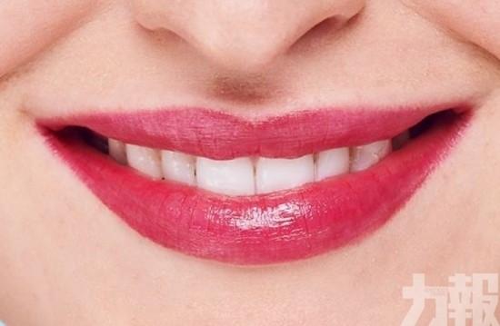 蘭花純色! 紫紅黃糖護唇膏