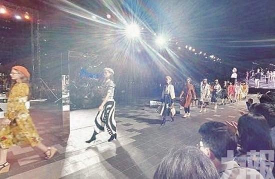 潮人雲集!  曼谷大型時裝表演