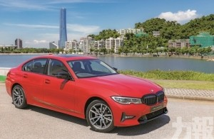 BMW 320iA Saloon Sport 心動房跑