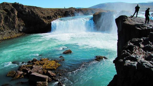 夏天冰島遊大自然