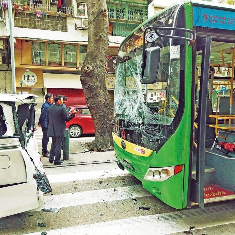 梁安琪:檢討巴士公司監督機制