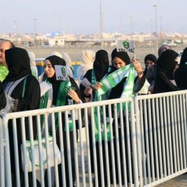 沙特首迎女性入場觀看足球賽