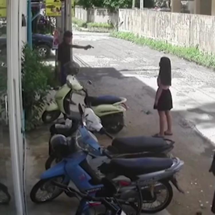 泰男當街槍殺前女友