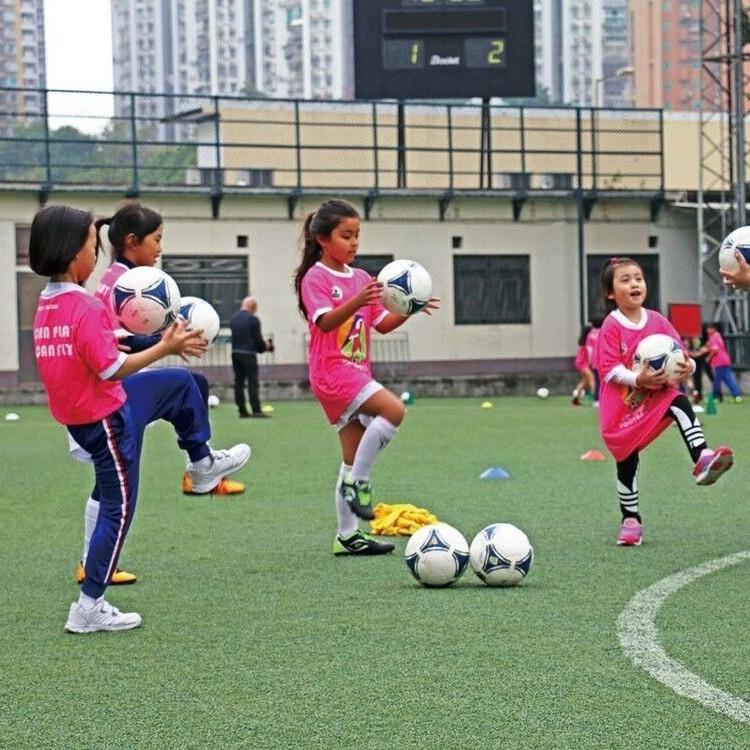 特首強調重視體育發展