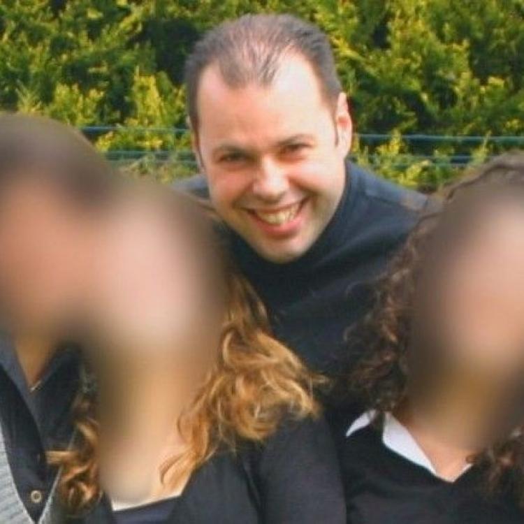 法唱歌老師強姦罪成囚16年